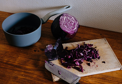 Painting with red cabbage